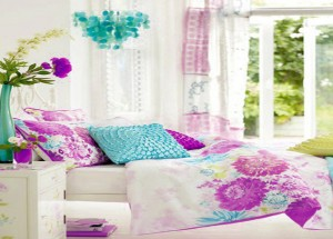 multi-color-cloth-items-of-bedroom